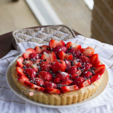 Creamy No Bake Cheesecake Strawberry Tart