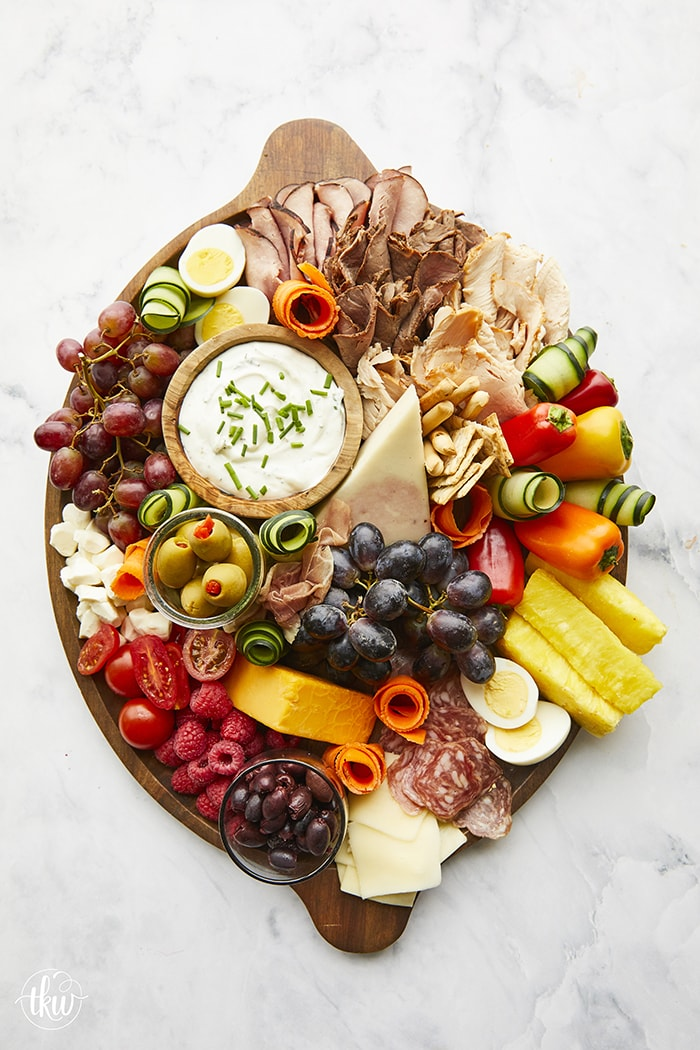Be A Hosting Guru With This Ultimate Charcuterie Board