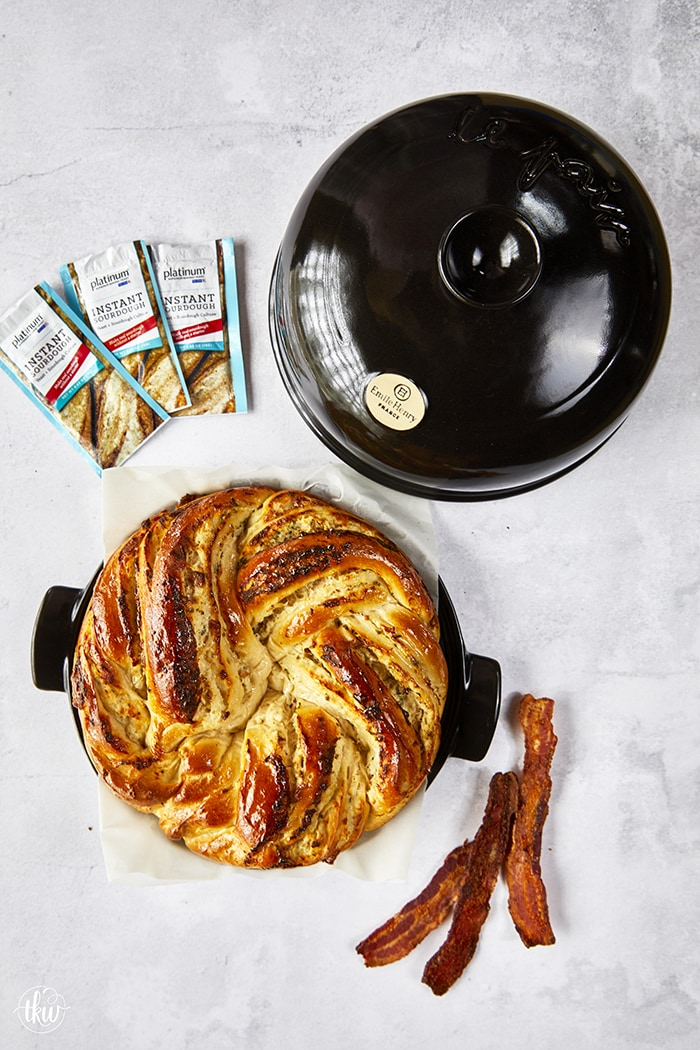 Chicken Ranch Bacon Braided Wreath Bread
