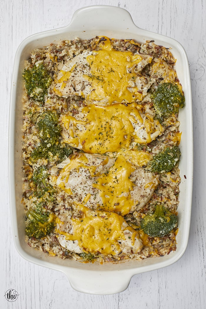 Baked Cheesy Chicken & Broccoli Rice Casserole